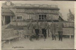 Legionowo, Leon Wyczółkowski w otoczeniu czterech oficerów, 1916, MOB Wb. 309
